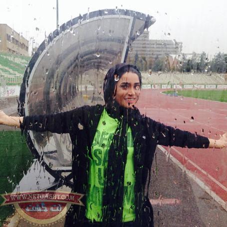 عکس های تینا آخوندزاده در حال بدمینتون و تیراندازی