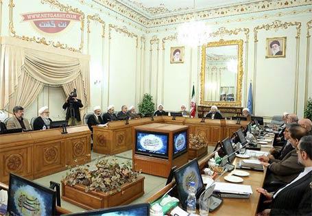 لاریجانی: دولت به آمریکا واکنش نشان دهد