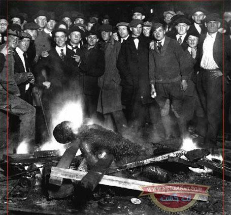 تصاویر افتخار انسان غربی، آمریکایی  به خشونت و وحشیگری، زیر پرچم صلح، انسانیت و نوع دوستی