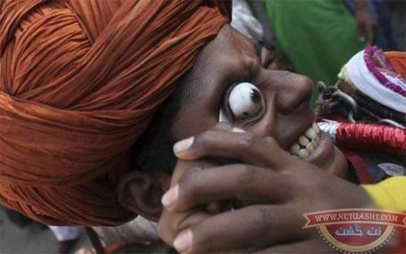 عکش هایی از جشنواره چشم درآوردن هندیان