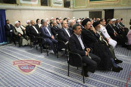 دلایل حضور و تغییر مکان احمدی نژاد  در مراسم تنفیذ حکم ریاست جمهوری روحانی